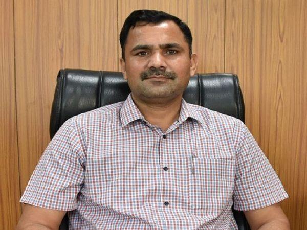 डीसी ने वीडियो कॉन्फ्रेंसिंग के जरिए इंसीडेंट कमांडरों और स्वास्थ्य अधिकारियों को निर्देश दिए। - Dainik Bhaskar