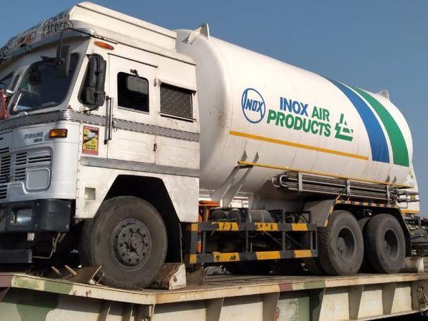 जामनगर से ऑक्सीजन स्पेशल ट्रेन 3 लिक्विड ऑक्सीजन के टैंकर लेकर कोटा पहुंची। - Dainik Bhaskar