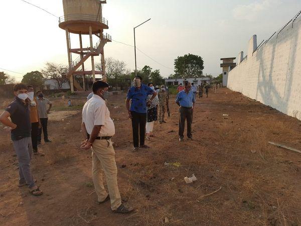 घटना स्थल पर SP प्रफुल्ल ठाकुर खुद पहुंचकर जायजा लेते रहे।