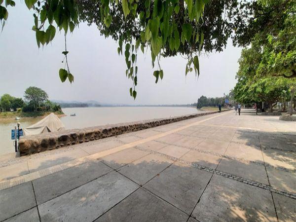 शहर में आज भी हल्के बादल छाए हु� - Dainik Bhaskar