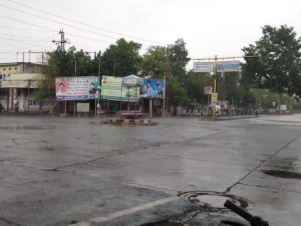 अलवर शहर में बारिश हुई। - Dainik Bhaskar