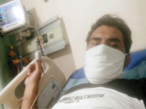 कोरोना वायरस से जंग जीतने के बाद विनीत तिवारी। - Dainik Bhaskar