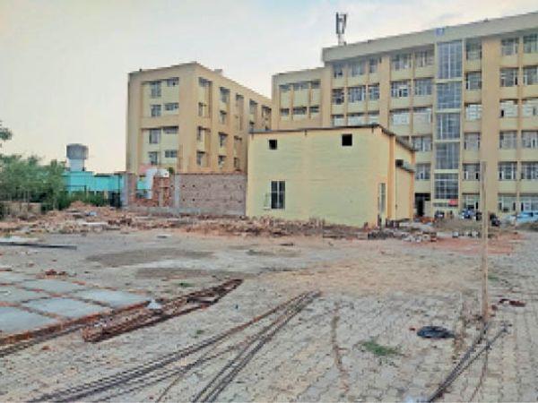से.-6 जनरल हॉस्पिटल में इस जगह तैयार होगा प्लांट। - Dainik Bhaskar