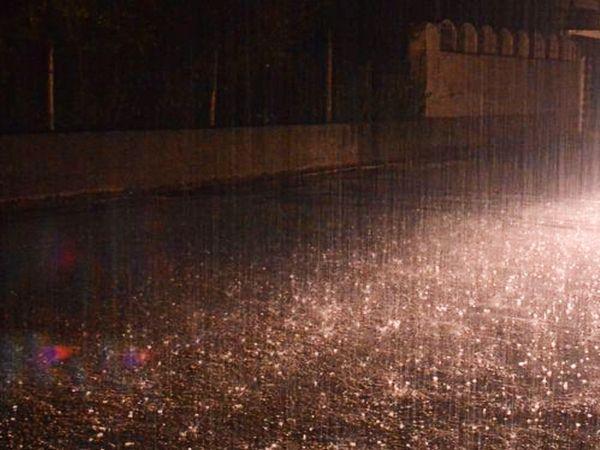 उदयपुर में शुक्रवार देर शाम इंद्रदेव हुए मेहरबान। - Dainik Bhaskar