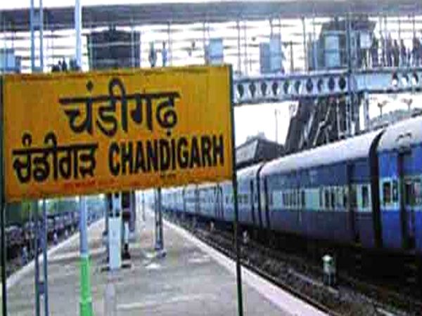 चंडीगढ़ से जाने वाली कई ट्रेनों को रद्द किया गया। फाइल फोटो - Dainik Bhaskar