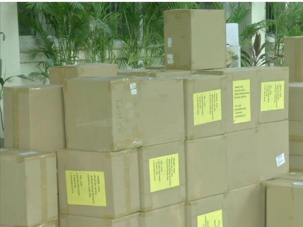 दिल्ली पुलिस ने अब तक 524 ऑक्सीजन कंसंट्रेटर पकड़े हैं।