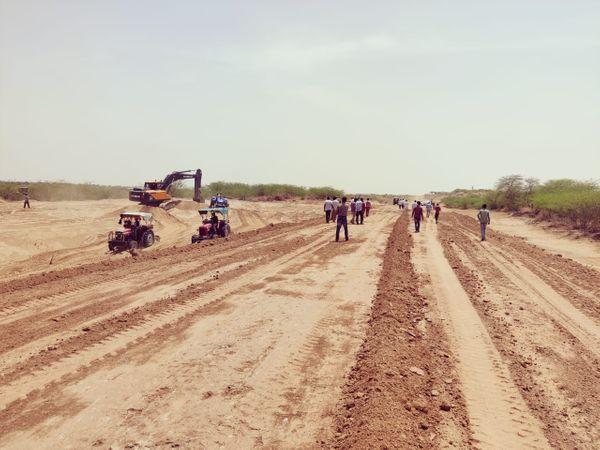 पचपदरा रिफायनरी सांभरा रण में अस्थाई अस्पताल बनाने का काम शुरू। - Dainik Bhaskar