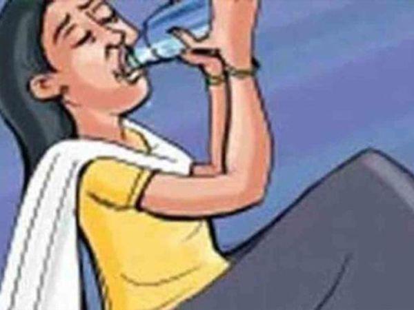 पुलिस ने आरोपी पति के खिलाफ केस दर्ज कर उसकी तलाश शुरू कर दी है। - Dainik Bhaskar