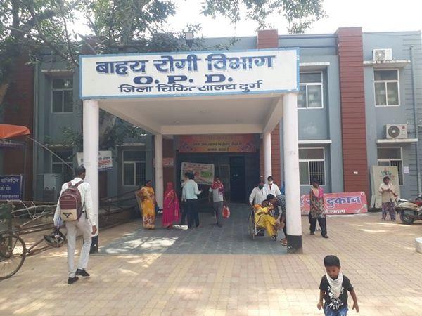 ग्रामीण क्षेत्र में वैक्सीनेशन के लिए बनाए गए केंद्र की दूरी बाधा बनी हुई है।
