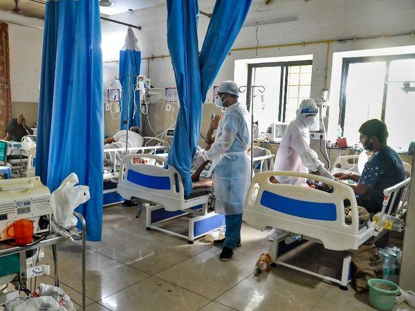 कई हॉस्पिटल सरकार से नकद पेमेंट की सीमा बढ़ाने की मांग कर रहे थे। - Dainik Bhaskar