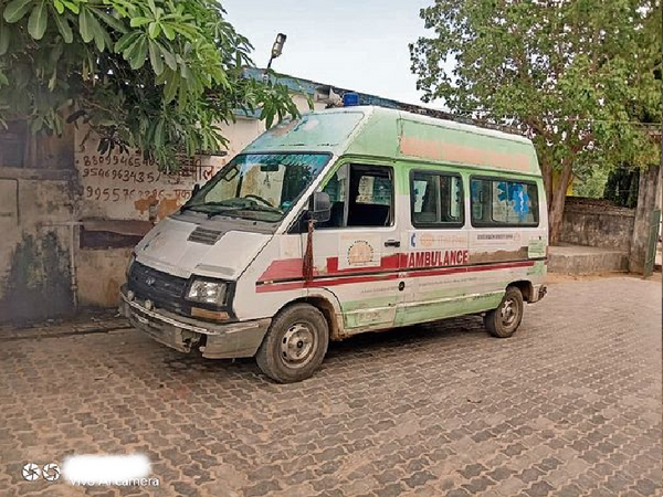 एंबुलेंस की जांच के लिए टास्क फोर्स ने 5 अस्पतालों का निरीक्षण किया जिसमें एंबुलेंस का मामला पाया है। - Dainik Bhaskar
