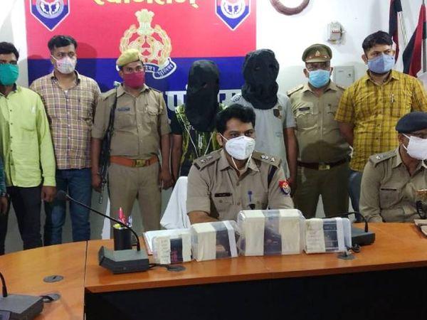 गोरखपुर पुलिस ने दोनों हत्यारोपियों से पूछताछ के बाद उन्हें जेल भेज दिया है। - Dainik Bhaskar