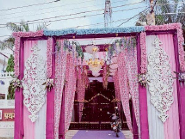सिरोही. शादियों पर पाबंदी लगा देने से मैरिज गार्डन पर लगा ताला। - Dainik Bhaskar