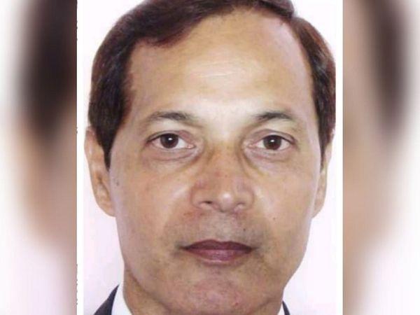 IGNTU में प्रो।  राकेश सिंह इतिहास विभाग में पढ़ाते हैं।  आरोप है कि उन्होंने 7 मई की शाम 5 बजे फेसबुक पर एक आपत्तिजनक पोस्ट डाली है।