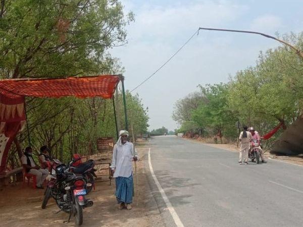बिहार के रामपुर देवल पुल और कैमूर से गाजीपुर के गहमरले जा रहे कई शवों को वापस लौटा दिया गया। - Dainik Bhaskar
