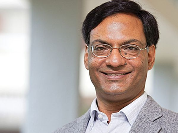 डिपार्टमेंट ऑफ साइंस एंड टेक्नोलॉजी (DST) के सेक्रेटरी और IIT कानपुर के सीनियर प्रोफेसर डॉ. आशुतोष शर्मा। - Dainik Bhaskar