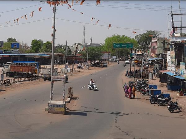शहर में 12 अप्रैल से अब तक 6 बार कोरोना कर्फ्यू बढ़ चुका है। - Dainik Bhaskar
