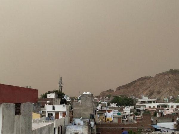 अजमेर, जयपुर, कोटा और भरतपुर संभाग के कई जिलों में 19 मई को तेज बारिश होने की आशंका।