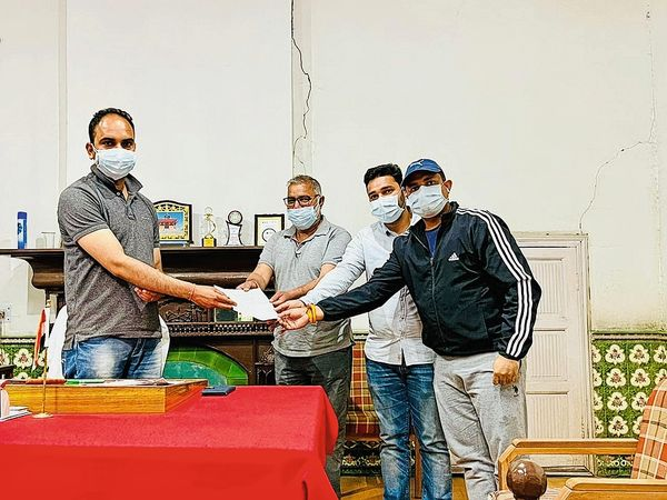 एसडीएम के माध्यम से व्यापार मंडल ने मुख्यमंत्री को ज्ञापन भेजा। - Dainik Bhaskar