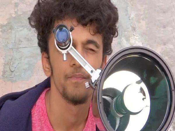 16 साल के प्रथमेश खुद को खगोल प्रेमी और फोटोग्राफर बताते हैं। - Dainik Bhaskar