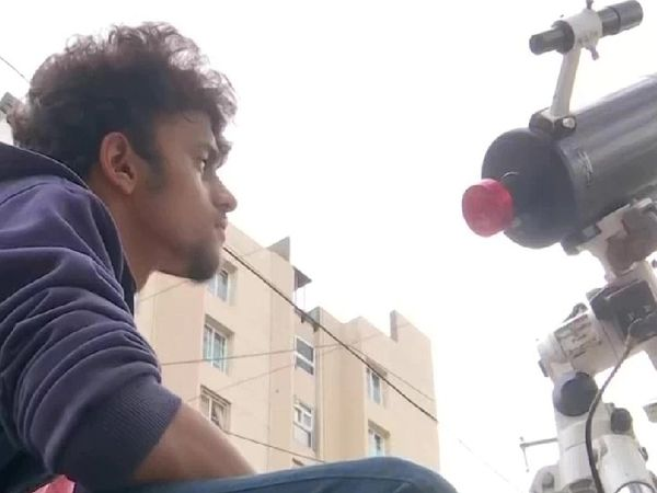 पांच घंटे एक ही फ्रेम पर इस कैमरे को लगाकर वीडियो शूट किया गया।