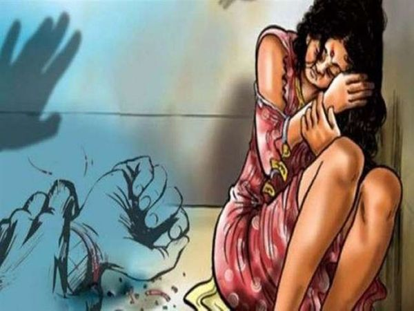चंबा में एक नाबालिग लड़की के साथ उसके सौतेले बाप द्वारा यौनाचार करने का मामला सामने आया है। -सिंबॉलिक इमेज - Dainik Bhaskar