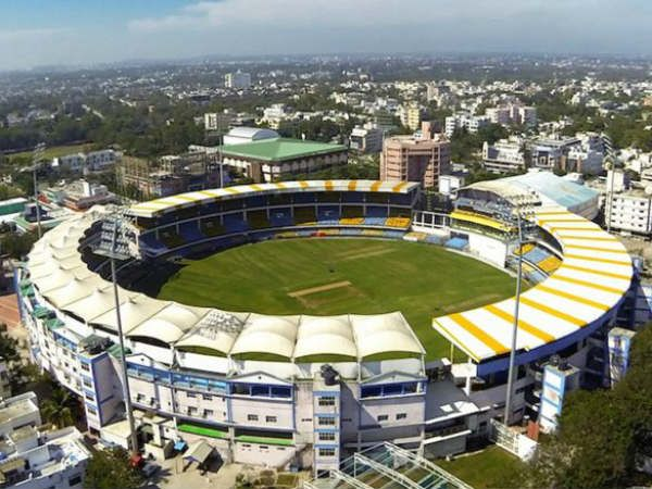1936 में 22 मई को ही लॉर्ड ब्रेबॉर्न ने बम्बई (अब मुंबई) में ब्रेबॉर्न स्टेडियम की नींव रखी। यह देश का पहला स्टेडियम था।