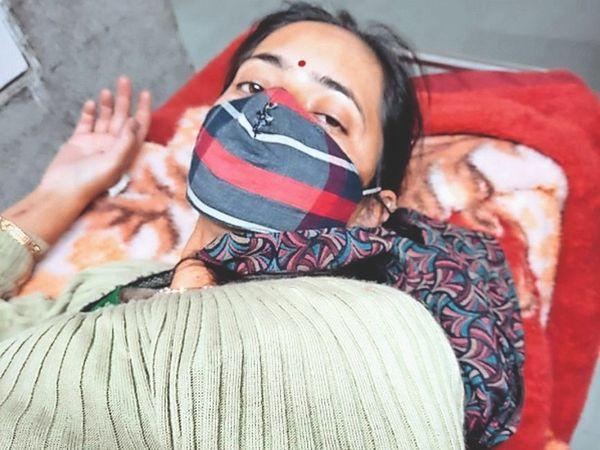 जंगली मशरूम खाने से चार लोग बीमार हो गए, अब आईजीएमसी में उपचाराधीन हैं। - Dainik Bhaskar