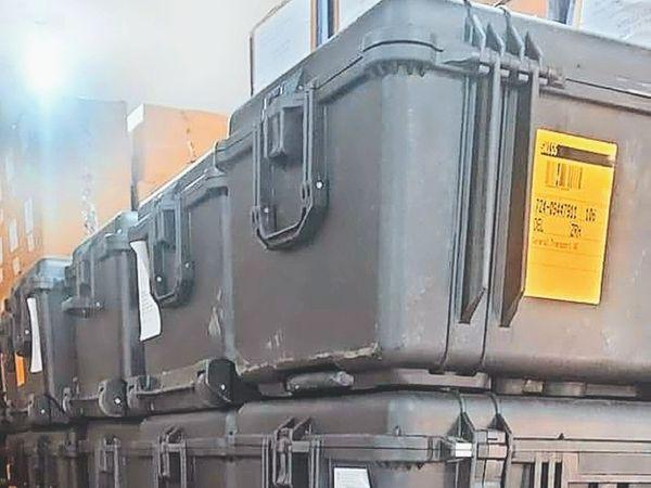 आईजीएमसी में पहुंचे वेंटिलेटर जाे ब्लैक फंगस से बचाव के लिए दिए गए हैं। - Dainik Bhaskar