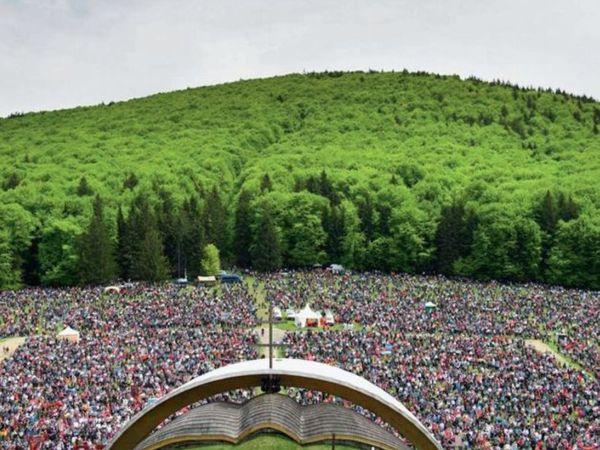 सुमुलु सिउक रोमानिया का सबसे पुराना सबसे पवित्र स्थान है, जहां 450 साल पुराना अनटोल्ड फेस्टिवल मनाया जाता है। - Dainik Bhaskar
