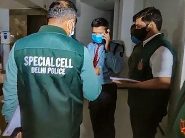 टूलकिट मामले की जांच के लिए सोमवार शाम दिल्ली पुलिस की स्पेशल सेल की दो टीमें ट्विटर के ऑफिस पहुंचीं। पहले एक टीम दिल्ली में लाडो सराय के दफ्तर पहुंची। इसके बाद दूसरी टीम गुड़गांव के ऑफिस पहुंची थी। (फाइल फोटो) - Dainik Bhaskar