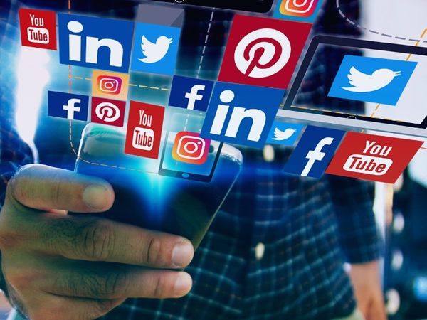 बड़े डिजिटल प्लेटफॉर्म से जुड़े नए नियम बुधवार से लागू हो गए हैं। - Dainik Bhaskar