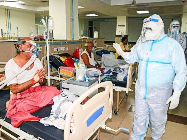 भारत में अभी तक आधिकारिक रूप से 2.69 करोड़ लोग कोरोना वायरस से संक्रमित हुए हैं, जबकि 3.07 लाख लोगों की इससे मौत हुई है। - फाइल फोटो - Dainik Bhaskar