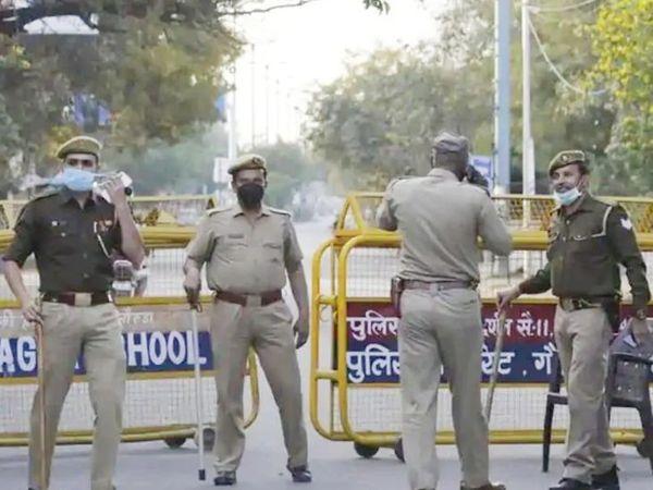 पुलिस ने बताया कि मुख्य आरोपी परमीत फरार है, जिसकी तलाश की जा रही है। उसके दोस्त राहुल को गिरफ्तार कर लिया गया। -फाइल फोटो - Dainik Bhaskar