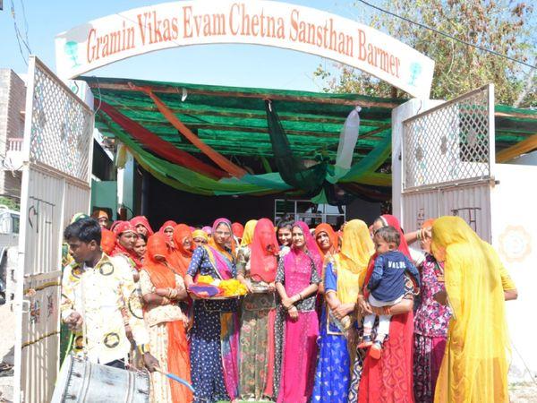 रूमा ने 10 महिलाओं के साथ 2006 में अपने सफर की शुरुआत की थी, आज उनके साथ 22 हजार महिलाएं जुड़ी हुई हैं।