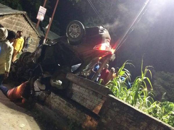 सड़क हादसे में 4 लोगों की मौत। - Dainik Bhaskar