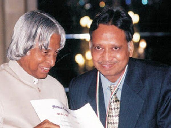 डॉ. पानगड़िया पूर्व राष्ट्रपति के साथ। फाइल फोटो - Dainik Bhaskar
