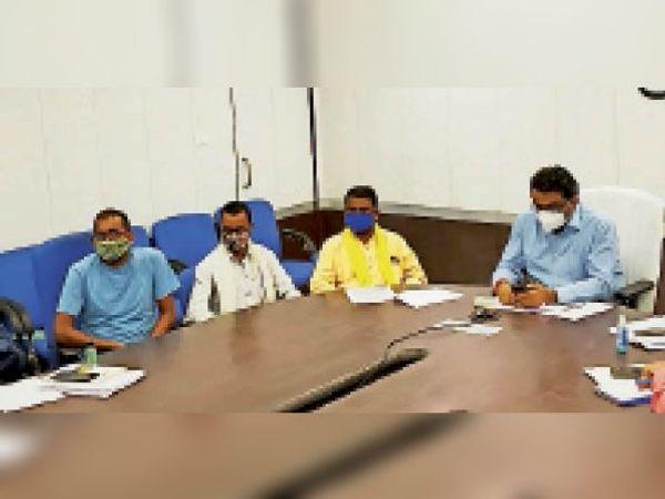 टीकमगढ़ | सीएम ने टीकमगढ़ के संरक्षक से की बात। - Dainik Bhaskar