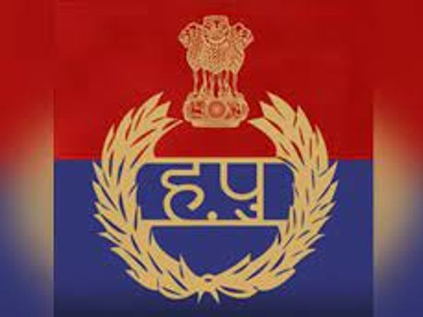 पुलिस ने आरोपियों के खिलाफ केस दर्ज कर लिया है।- प्रतीकात्मक फोटो। - Dainik Bhaskar