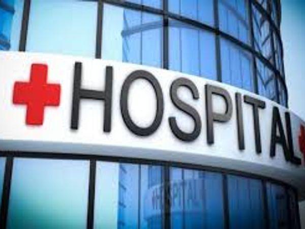 पलवल के तीन निजी अस्पताल संचालकों के खिलाफ केस दर्ज होने के बाद डीसी नरेश नरवाल ने यह कदम उठाया है। - Dainik Bhaskar