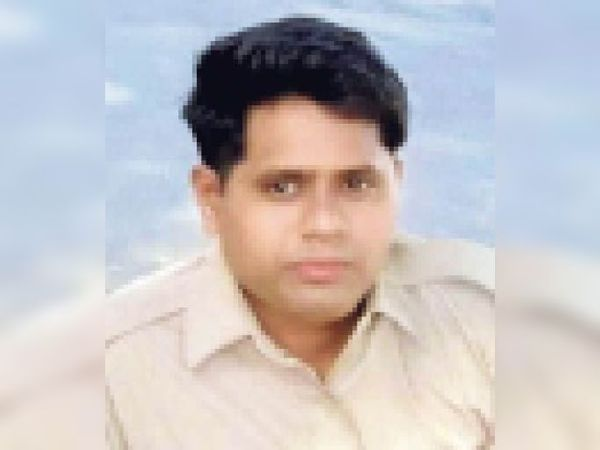 कांस्टेबल नरेश - Dainik Bhaskar