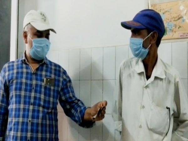 महोबा जिला अस्पताल में अवैध वसूली, स्वास्थ्य अधिकारियों की पहल के बाद गरीब मरीज और तीमारदारों ने राहत की सांस ली। - Dainik Bhaskar