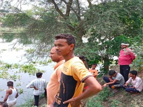 लखनऊ की गोमती नदी में युवती ने लगाई छलांग।लेकिन उसे बचा लिया गया। - Dainik Bhaskar