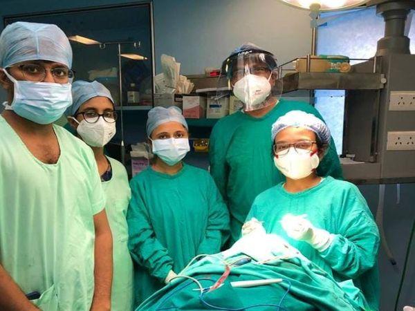 वैज्ञानिकों ने 117 मरीजों में से 85 सैंपल की जांच की। वैज्ञानिकों का कहना है कि यह सभी मरीज म्युकोर माइकोसिस से पीड़ित हैं। यह कवकों का समूह है। इसका खतरा कम रोग प्रतिरोधक क्षमता वालों पर पड़ता है। - Dainik Bhaskar