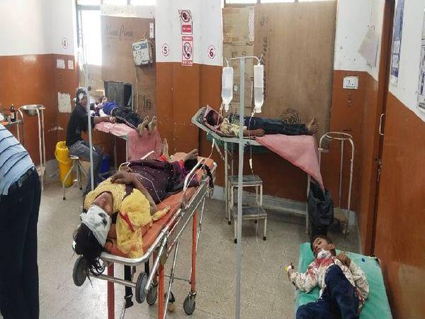 हादसे में बच्ची की मौत 7 लोग घायल। - Dainik Bhaskar