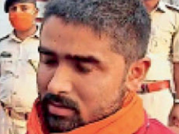 गिरफ्तार अंशू चौधरी ने पुलिस के सामने कबूली हमले में अपनी संलिप्तता। - Dainik Bhaskar