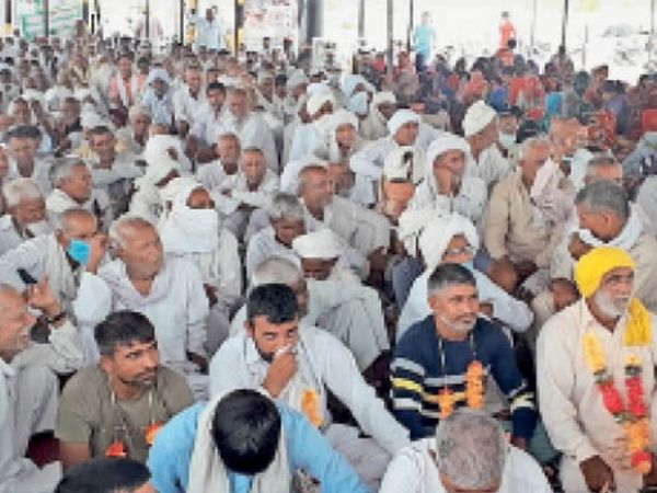 डेढ़ महीने चली गेहूं खरीद बंद होने के 14 दिन बाद भी किसान भुगतान को तरस रहे हैं। - Dainik Bhaskar