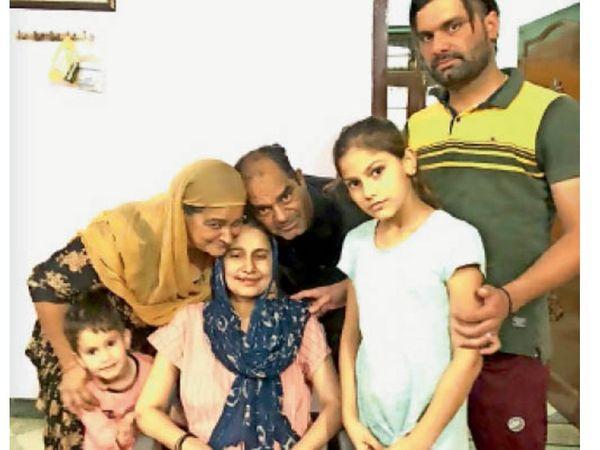कुरुक्षेत्र   27 दिन बाद घर लौटीं जसलीन परिवार के साथ। - Dainik Bhaskar