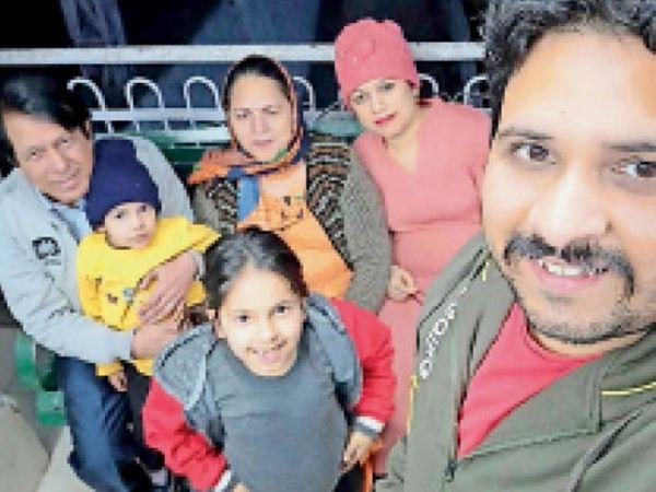 पानीपत. सौरभ अरोड़ा व उनका परिवार। - Dainik Bhaskar