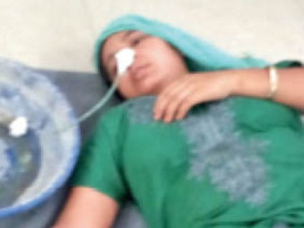 जिला अस्पताल में भर्ती शमीम बी। - Dainik Bhaskar